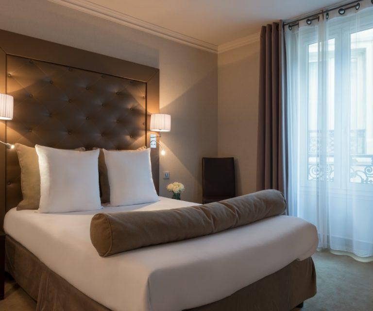 Hotel Saint Cyr Etoile image Galery